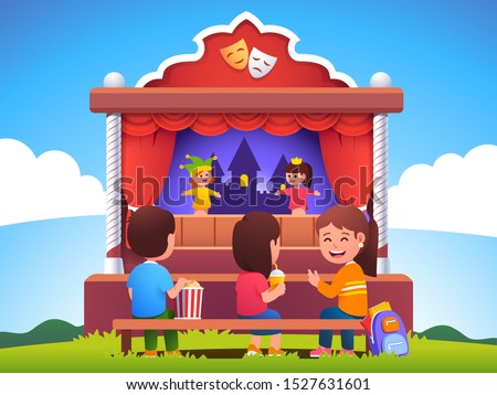 Children audience sitting on bench & watching puppet show on outdoor stage. School kids visiting puppet theater with hand dolls. Boy, girls enjoying entertainment performance. Flat vector illustration Foto stock ©