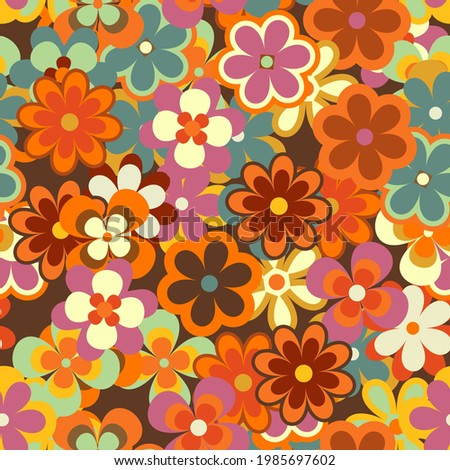 Colorful Floral Vector Seamless Pattern. Retro 70s Style Nostalgic Fashion Textile Bold Background. Summer Resort Print. Daisies. Flower Power Foto stock ©