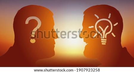 Concept de la réflexion intellectuelle à la recherche d'une solution avec pour symbole, deux hommes face à face, l'un posant une question, l'autre lui apportant la réponse. Photo stock ©