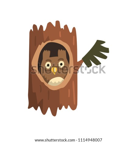 Cute owl sitting in hollow of tree, hollowed out old tree and cute animal cartoon character inside vector Illustration on a white background Foto stock ©
