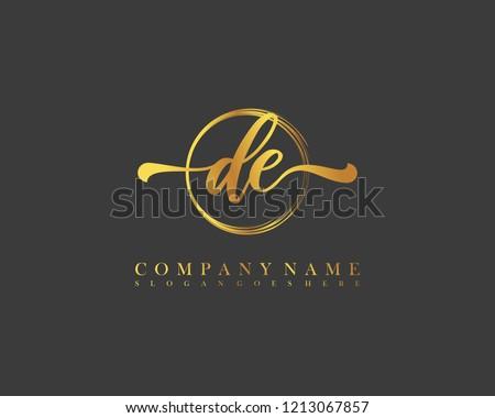 DE initial handwriting logo circle template vector