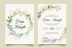 Elegant wreath leaves gold wedding invitation