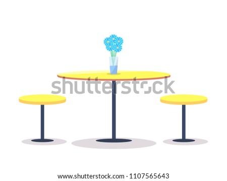 empty round table with flowers