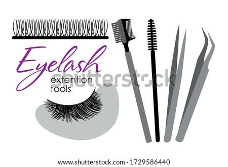 Eyelash extension tools. Set of eyelashes  patches  brushes and tweezers Foto stock ©
