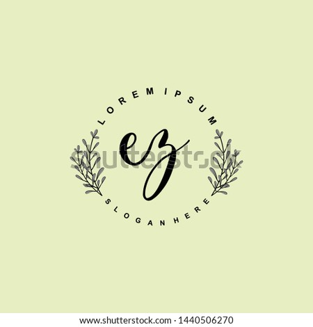 EZ Initial beauty floral logo template Zdjęcia stock ©