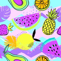 Fashion tropics funny wallpapers. Seamless pattern with pineapples, strawberries and oranges on colorful background. Bright summer fruits illustration. Fruit mix design for fabric and decor