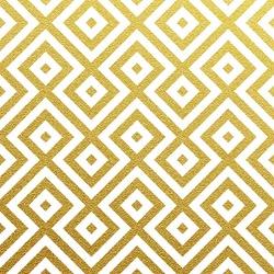 Geometric gold glittering seamless pattern on white background.