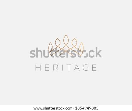 Graceful linear crown logo design template. Creative royal king queen symbol. Premium boutique, jewelry, wedding salon logotype design concept icon. Сток-фото ©