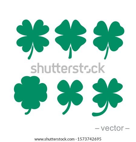 Green shamrock clover vector icon. Shamrock clover isolated, flat decorative element. Logo illustration. Foto d'archivio ©