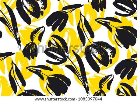 hand drawn tulip seamless