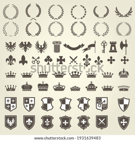 Heraldry kit of knight blazons and coat of arms elements, medieval heraldic emblems, vector Foto stock ©
