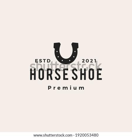 horse shoe u letter hipster