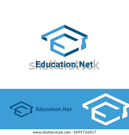 Initial N combine with toga hat icon for education business logo design template Foto stock ©