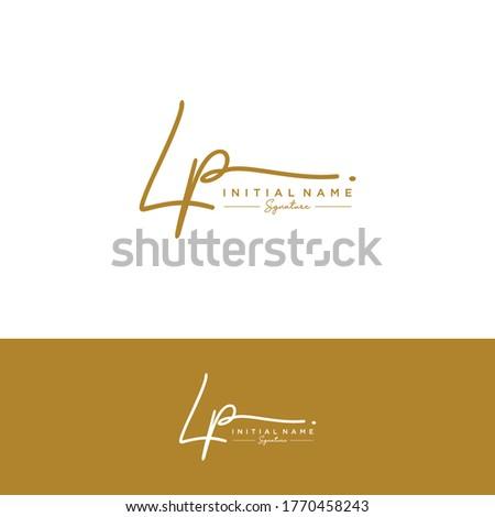 L P LP Initial letter handwriting and signature logo. Stock fotó ©