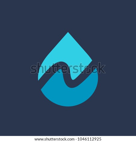 Letter N water drop logo icon design template elements Foto stock ©