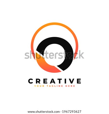 Letter O Logo Design with Black Orange Color and Circle. Cool Modern Icon Letters Logo Vector. Foto stock ©