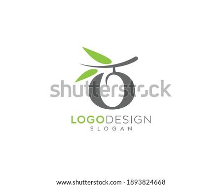 Letter O olive oil logo vector design, olive oil leaf logo design  Foto stock ©