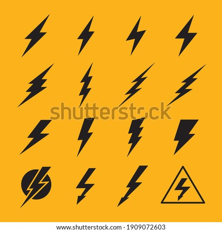 Lightning vector signs. Lightning bolt icons, thunder bolt symbols or flash pictograms. Flash icon. Streak of lightning sign. Electric bolt flash icon.Charge icon. Молния, опасность, электричество.