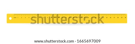 line of 30 centimeters. Vector school, plastic yellow isolated rulers with double side measuring inches and centimeters Foto stock ©