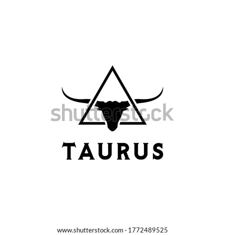 Long Horn Bull Cow Cattle Head Toro And Triangle for Taurus logo design inspiration Foto stock ©