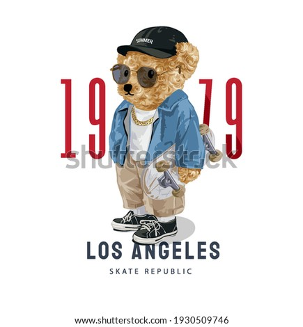 Los Angeles slogan with cute bear doll in sunglasses holding skateboard illustration Foto stock ©