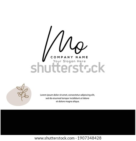 M O MO  Initial letter handwriting and signature logo. Beauty vector initial logo .Fashion, boutique, floral and botanical Foto stock ©
