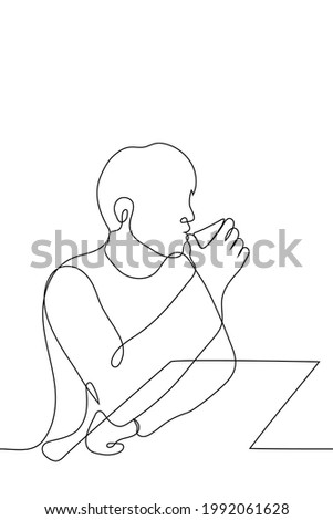 man sits at the bar and drinks a drink from a low glass (whiskey, coffee) - one line drawing. breakfast or alcoholic intoxication concept ストックフォト ©
