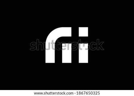 MI letter logo design on luxury background. IM monogram initials letter logo concept. MI icon design. IM elegant and Professional white color letter icon design on black background. Stok fotoğraf ©