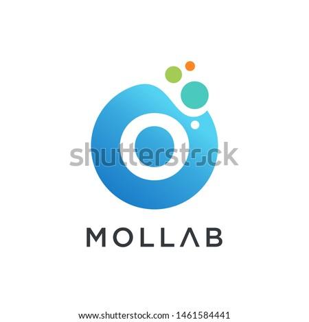 molecule initial Letter O Logo design , Lab Logo Design Element , Design Vector with Dots. - VECTOR Foto stock ©