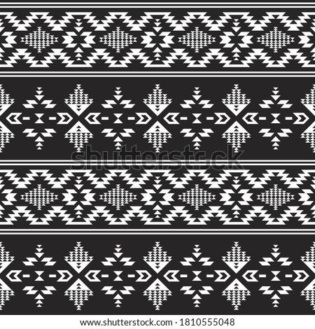 Native American Southwest, Aztec, Navajo seamless pattern. Tribal black and white geometric print. Ethnic design wallpaper, fabric, cover, textile, rug, blanket. Stockfoto ©