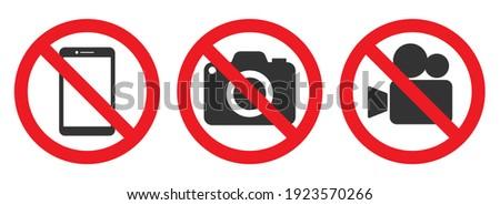 No Photographing prohibition sign symbol icon. Video, photo, phone, prohibited logo pictogram. Vector illustration. Isolated on white background. Foto stock ©