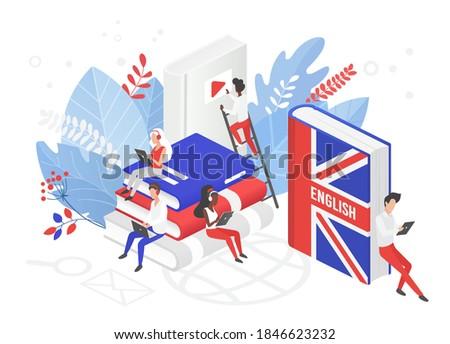Online UK English language courses isometric 3d vector illustration. Distance education, remote school, Great Britain university. Students reading books Internet class, e learning language school Foto stock ©