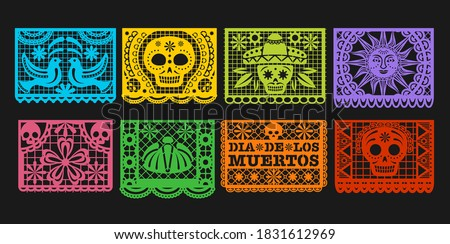 Paper flags, vector Mexican Day of the Dead papel picado bunting. Mexico Dia de los Muertos or Halloween holiday garland with cut out ornaments of skeleton skull, sombrero, marigold flower and bird Foto stock ©