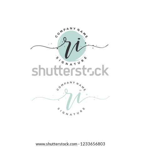 R I RI Initial logo template vector Stok fotoğraf ©