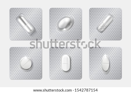 Realistic pill blisters set. Medicine capsule and pills in blister pack. 3D illustration chemicals drugs and medicine vitamins isolated vector mockup pharmaceutical capsules
