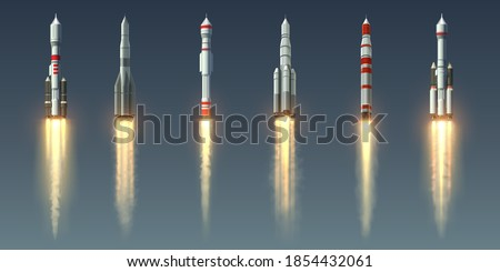 Rocket launch. Realistic spaceship with takeoff smoke track and fire burst. Spacecraft with steam jet trace. Collection of going up space vehicles. Shuttles of various designs, vector isolated set Foto stock ©