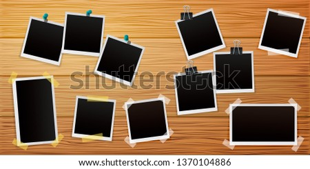Set of Retro photo frames on wooden background with shadows. Vector illustration. Foto stock ©