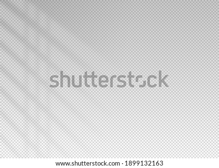 Shadow blinds. Sun light from window. Overlay effect. Shade jalousie transparent. Isolated background. Window blind. Reflection shadows on wall. Realistic soft shade. Horizontal shading mockup. Vector Stockfoto ©