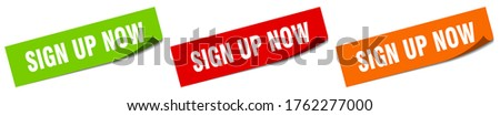 sign up now sticker. sign up now square isolated sign. sign up now label