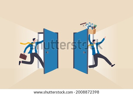 Staff turnover or job rotation in people management, human resources to manage to recruit new people for replacement concept, businessman new hire entering office while other resigned for new job. Foto stock ©