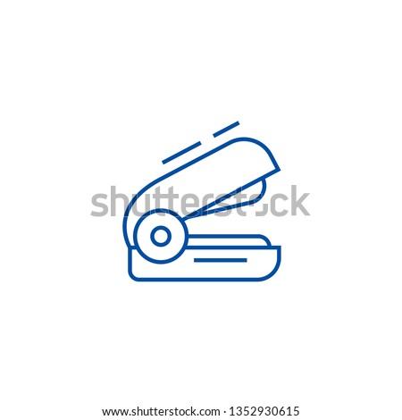 Stapler line icon concept. Stapler flat  vector symbol, sign, outline illustration.