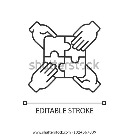 Teamwork building linear icon. Teamwork skills development, togetherness thin line customizable illustration. Contour symbol. Team building exercise. Vector isolated outline drawing. Editable stroke Foto stock ©