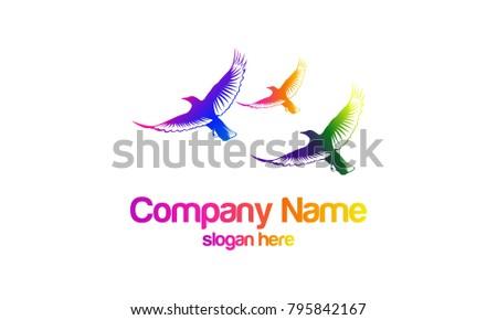 three ravens fly logo