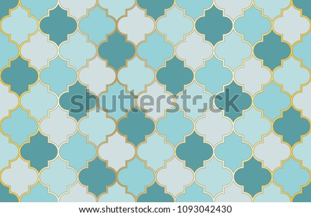Turkish Mosque Window Vector Seamless Pattern. Ramadan mubarak muslim background.  Traditional ramadan kareem mosque pattern with gold grid mosaic.  Islamic window grid design of lantern shapes tiles.