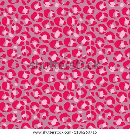 Vector illustration leopard print seamless pattern. Pink hand drawn background.