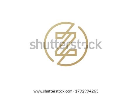 Z logo design . letter Z logo . clean and modern line art or single line style. Z logo using gold color . vector illustration Stok fotoğraf ©