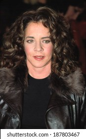 Stockard Channing at the BUSINESS OF STRANGERS premiere, NYC, 12/03/2001