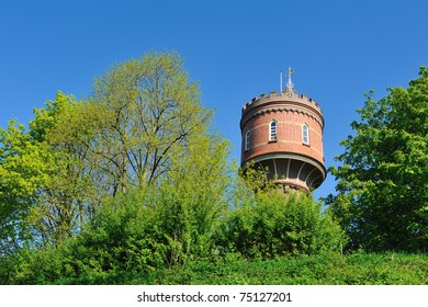 Stockfoto: An old watertower in the Netherlands during springtime