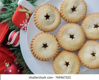 Stocking up snacks for the festive season / Christmas Mince Pie / Handy when friends and family members come calling and visiting