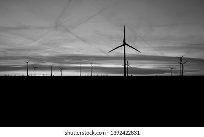 Stoessen / Germany: Windfarm at dusk